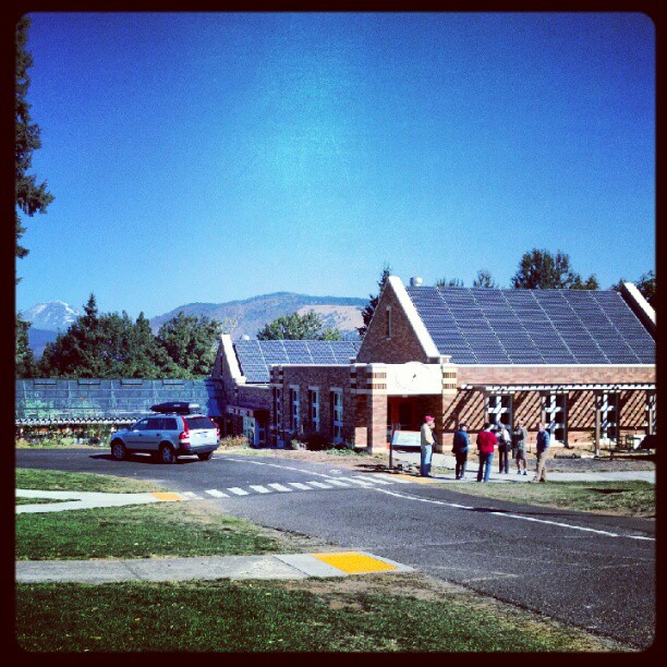 Hood River Middle School makes it to Net Zero!